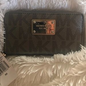 Michael Kors wristlet wallets for women